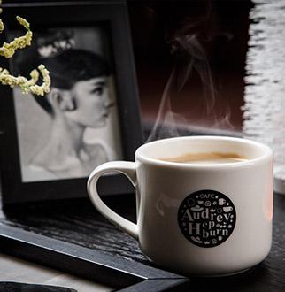장항동 카페·디저트 오드리햅번 카페 장항점 그 녀처럼  한 잔의 휴식